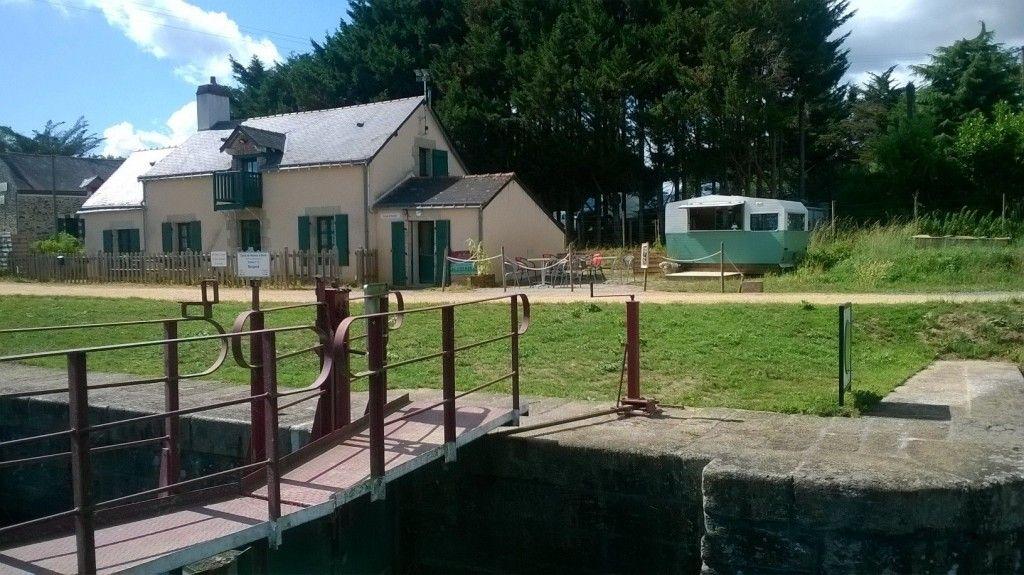 Maison éclusière - Le Bougard - Canal de Nantes à Brest